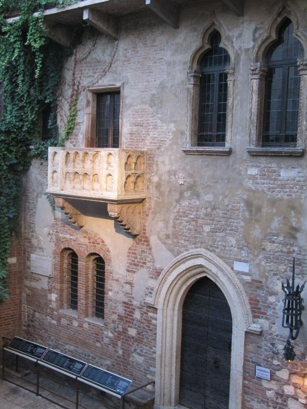Verona-Juliet's_balcony