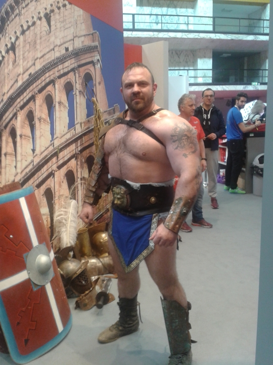 """Gladiator"" at Rome Marathon Expo"