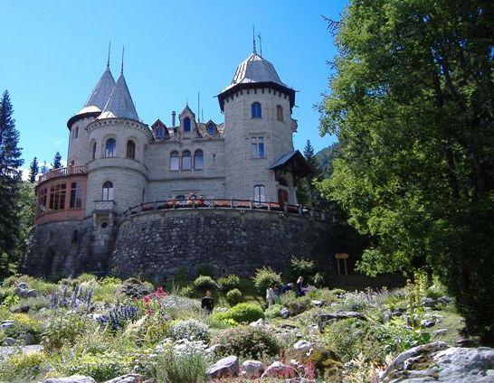 Castello_di_Savoia_-_Gressoney-St.Jean