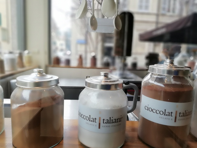 Where to get hot chocolate in Milan.
