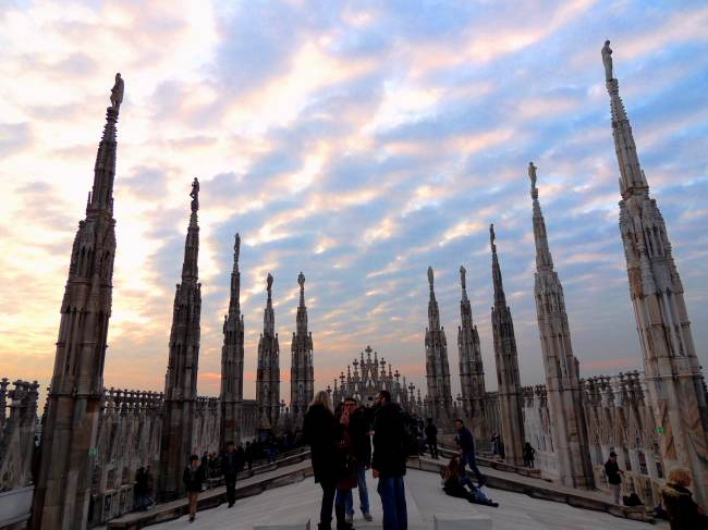 Italy Trip Planner - One day Itinerary for Milan - duomo terrace